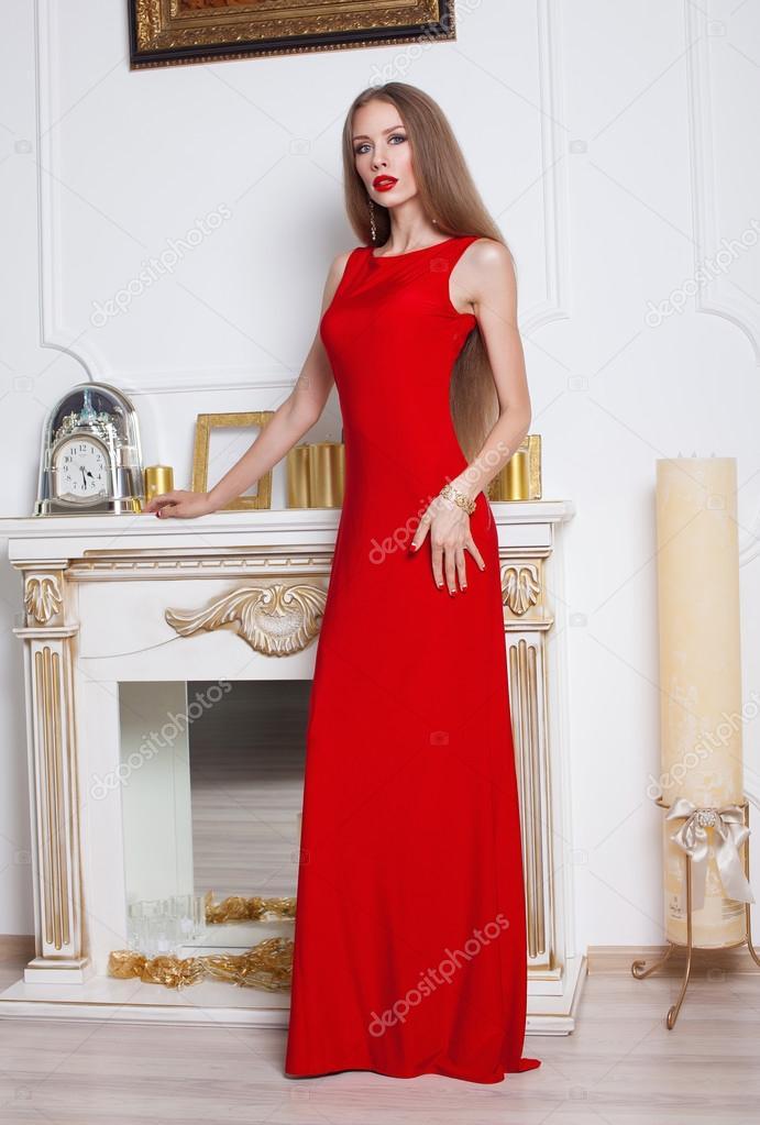 Elegante Vestido Rojo Joven Elegante Vestido Rojo Y