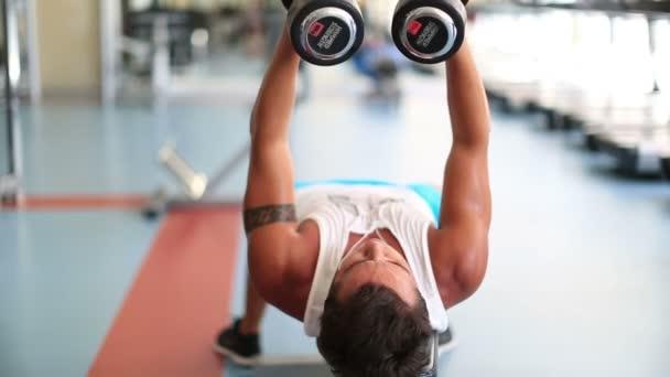 cvičení v tělocvičně série 9