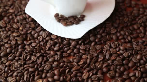 kávé csésze kávé babbal