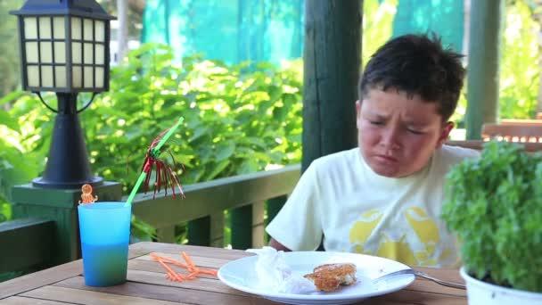 Over eating child having abdominal pain