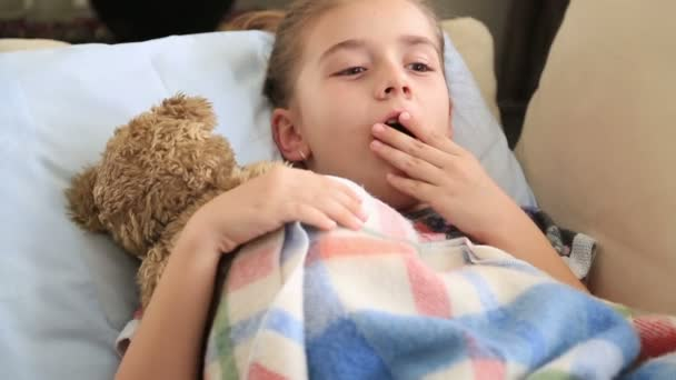 roztomilá mladá dívka spí