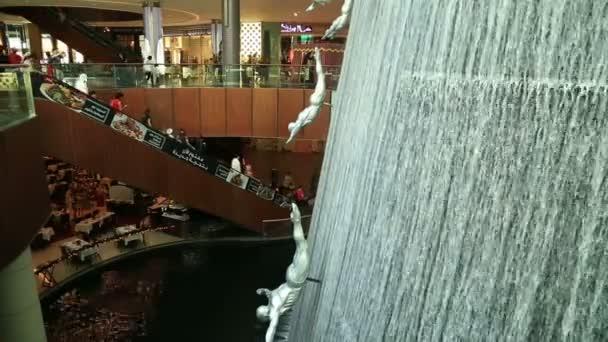 Big Famous Waterfall In Dubai mall