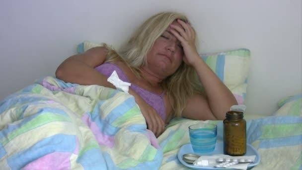 Nemocný, unavený žena