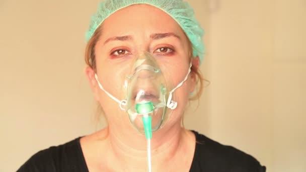 Patienten mit Sauerstoffmaske