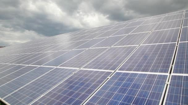 Záblesky slunce vypne solární panel
