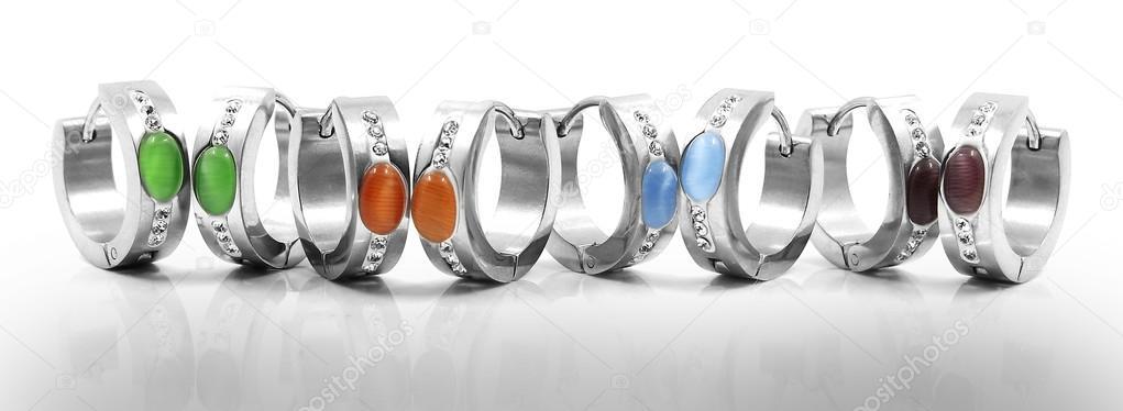 a1d60611e116 Aretes de acero quirúrgico inoxidable — Fotos de Stock © JanDix ...