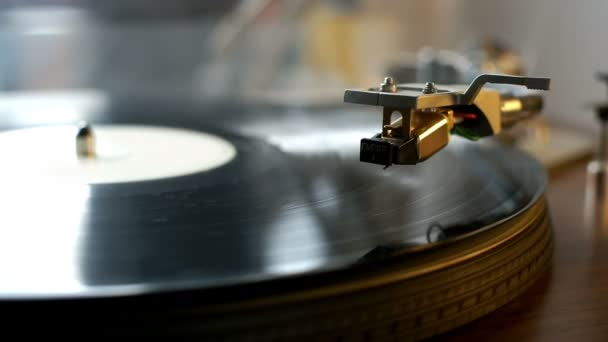 Gramofon s předení vinylových desek