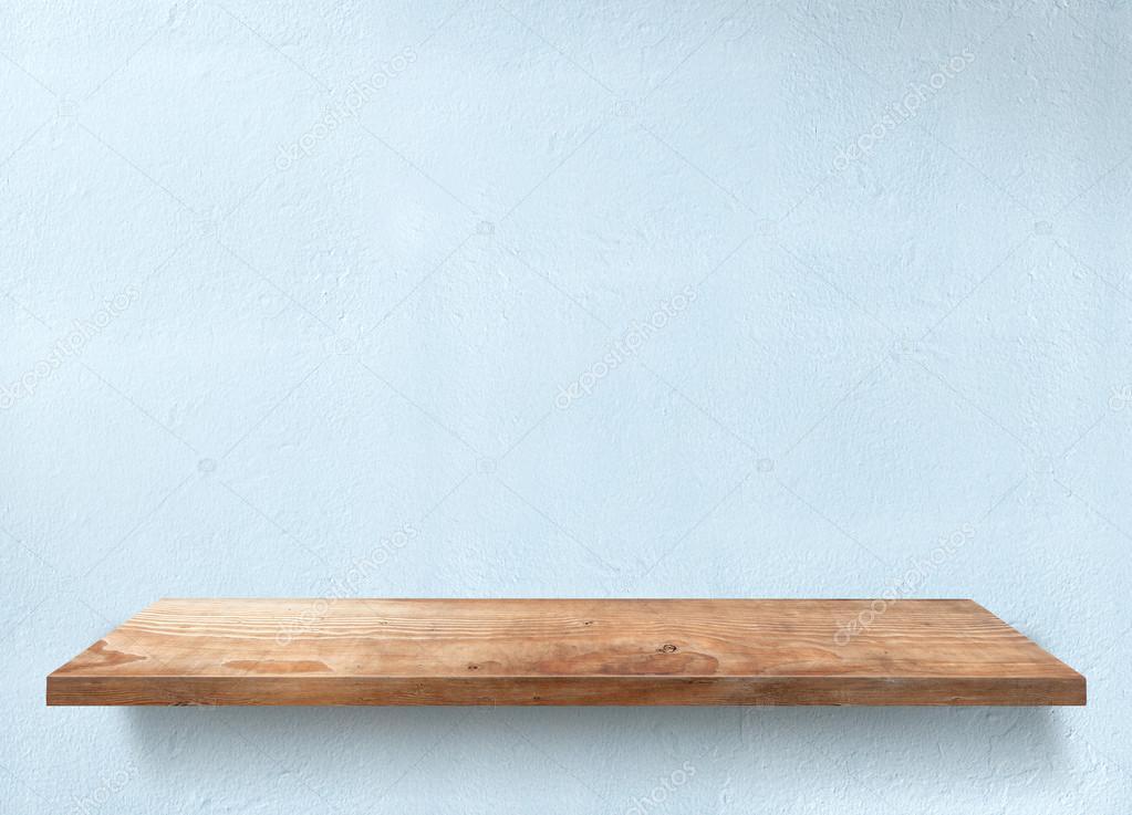 Tavolo in legno con applique a luce blu u foto stock bombybamby
