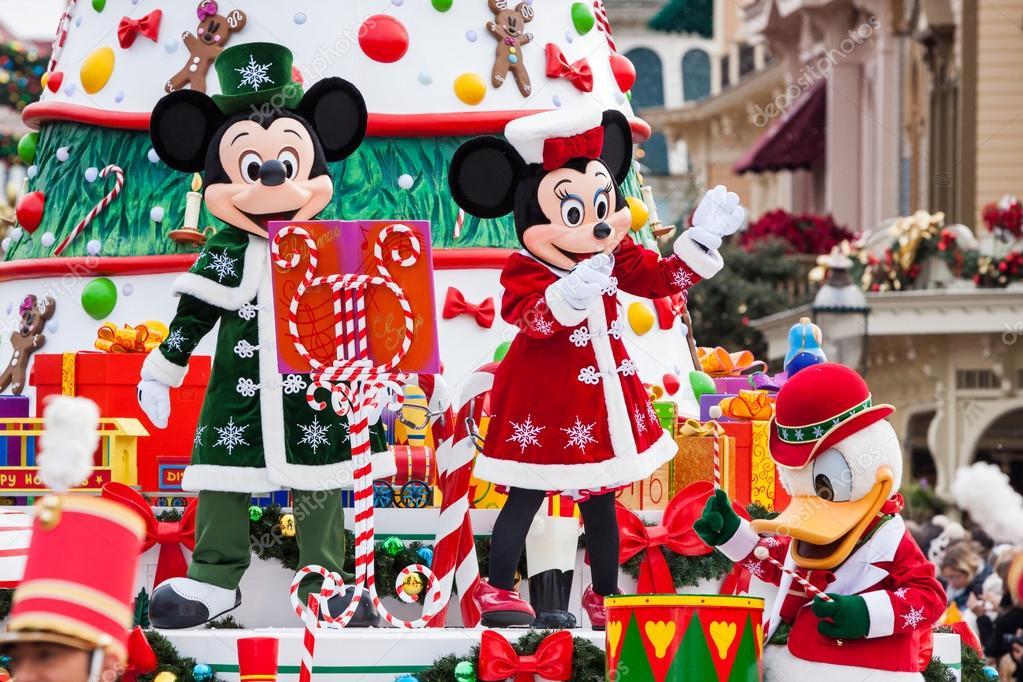 Disney Christmas Parade in Disneyland