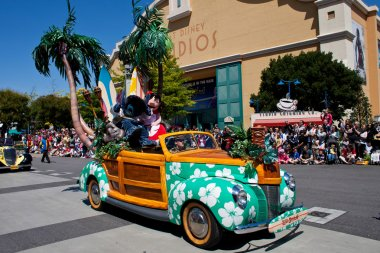 Disney Stars 'n' Cars Parade, Disneyland Resort Paris