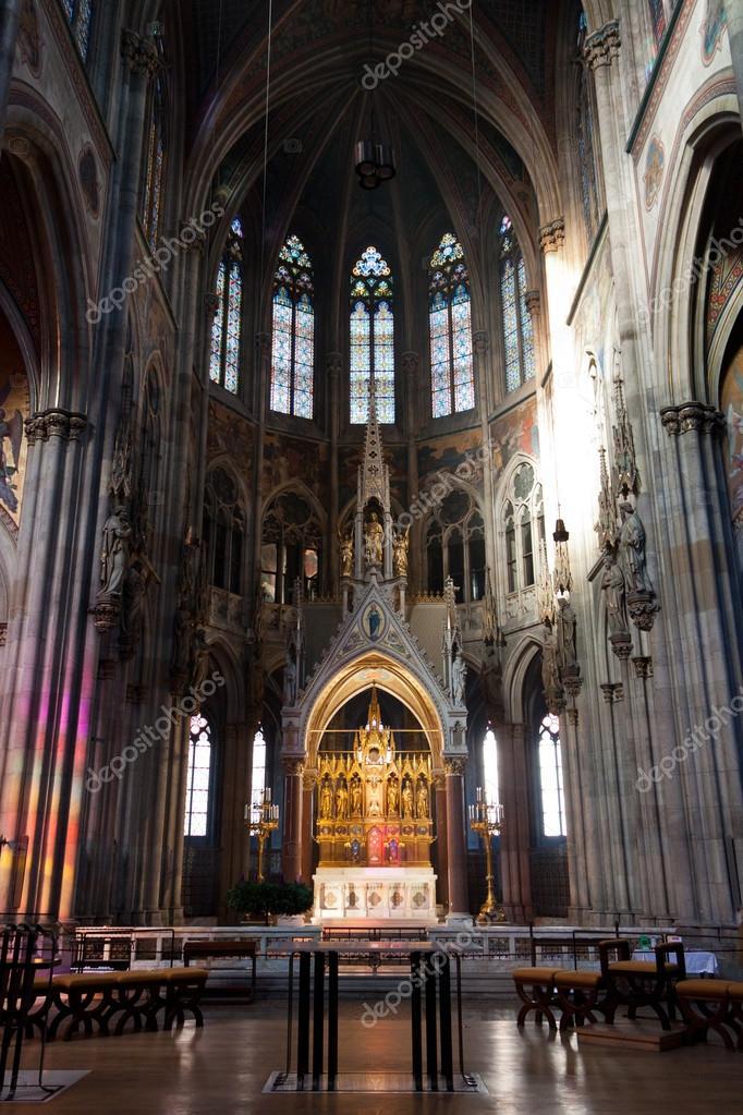 The Ring Vienna S Casual Luxury Hotel Vienna: Chiesa Votiva (Votivkirche) A Vienna, Austria