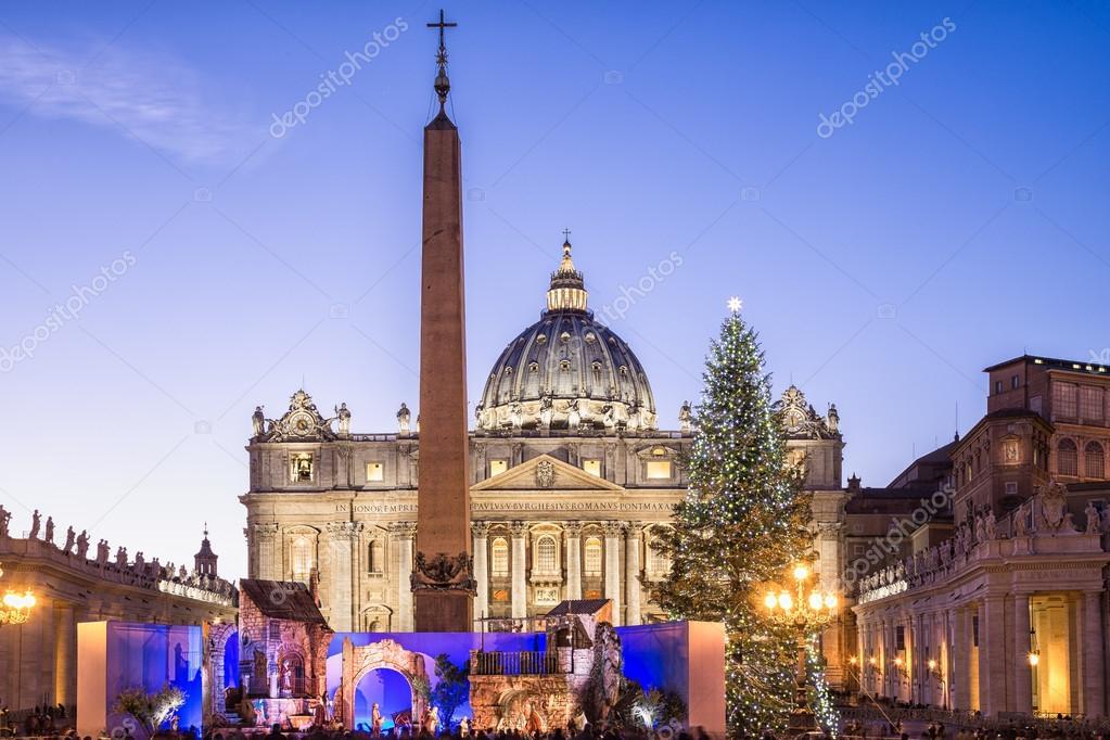 S-Basilika St. Peter zu Weihnachten in Rom, Italien — Stockfoto ...