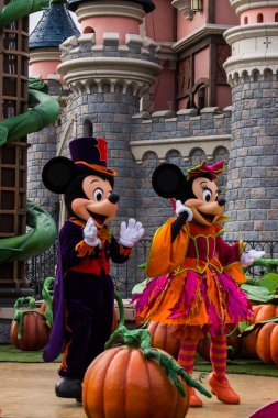 Disneyland Paris during Halloween Celebrations, Mickey Mouse show