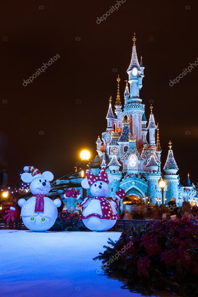 Disneyland During Christmas.Disneyland Paris Castle During Christmas Celebrations