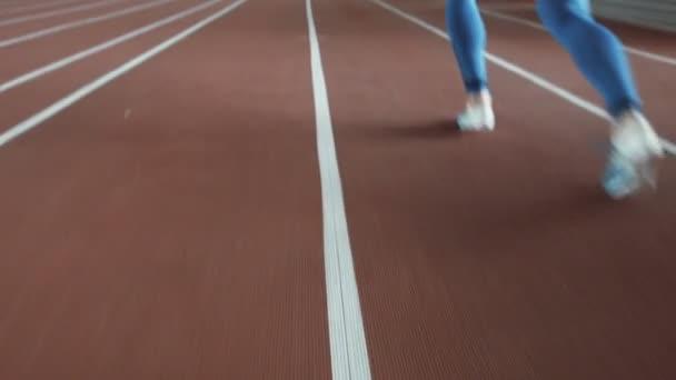 Sprinter, takže start na stadionu