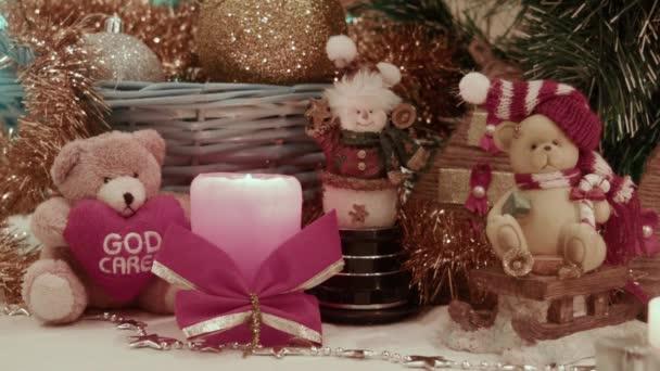 Vánoční dekorace, nese koule