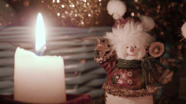 Karácsonyi dekoráció, viseli a golyó