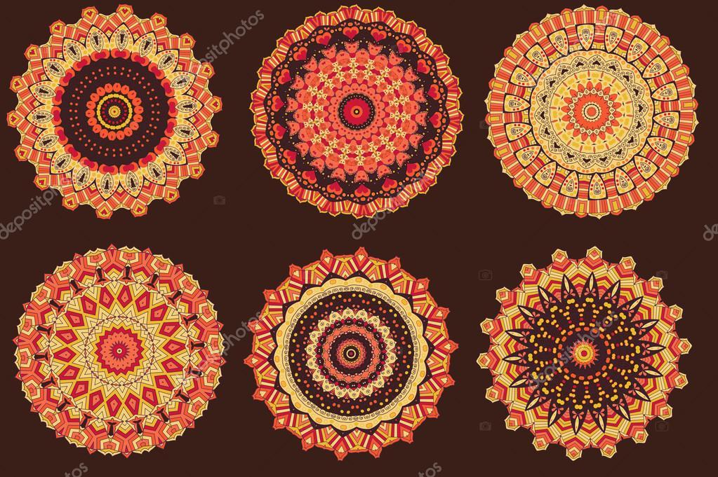 Con mandalas de colores cálidos — Vector de stock © dellaliner #91842284
