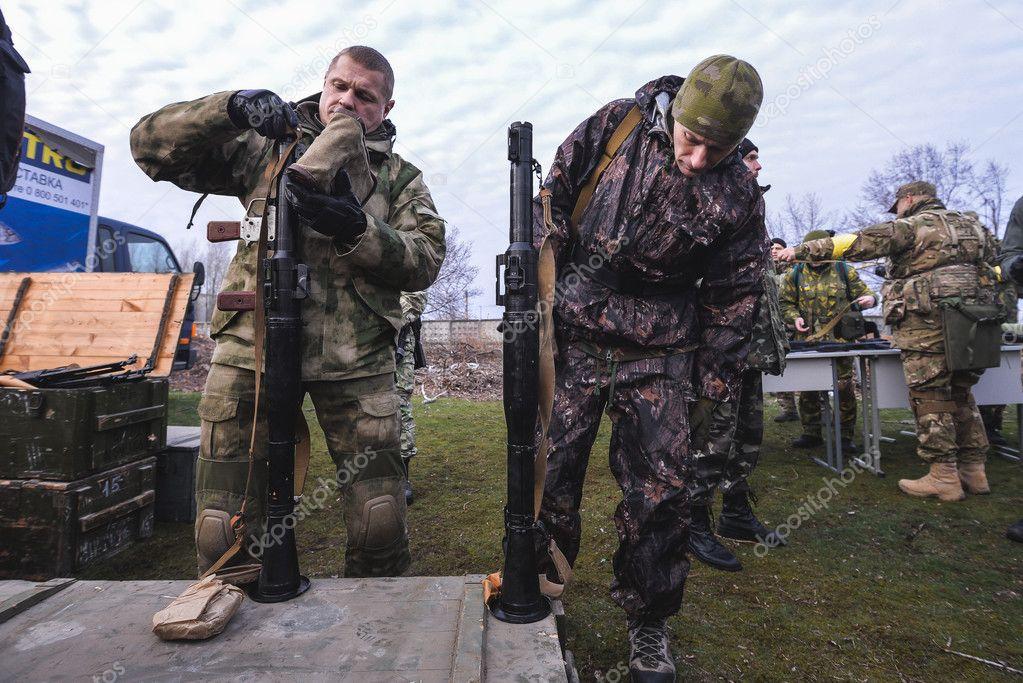 Фото военных мужчин фото мир женщин