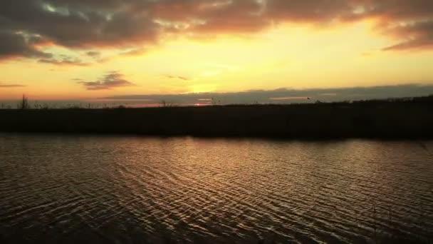 Západ slunce na řece - série krajinka