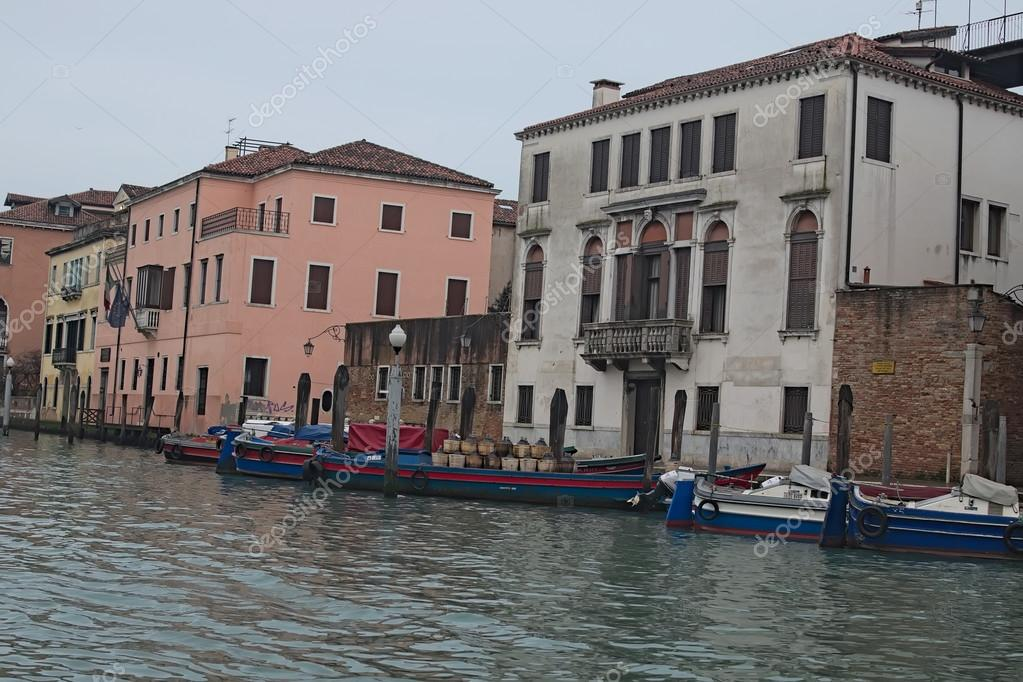 Cloudy day in Venice. Boats are using the instead of cars in Venice ...