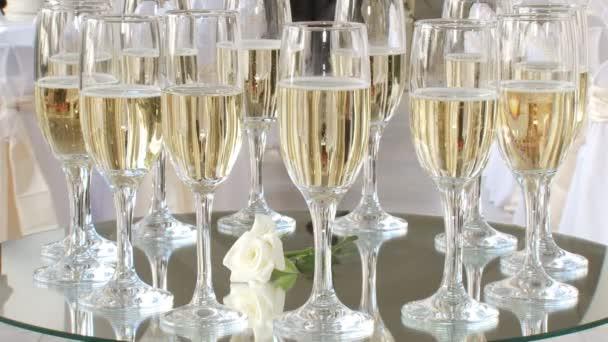 Vendéglátás - pohár pezsgő