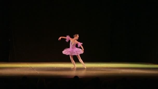 Klassisches Ballett - tanzende Ballerina