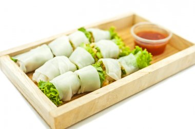 Rice paper wrapped vegetable with vermicelli noodles