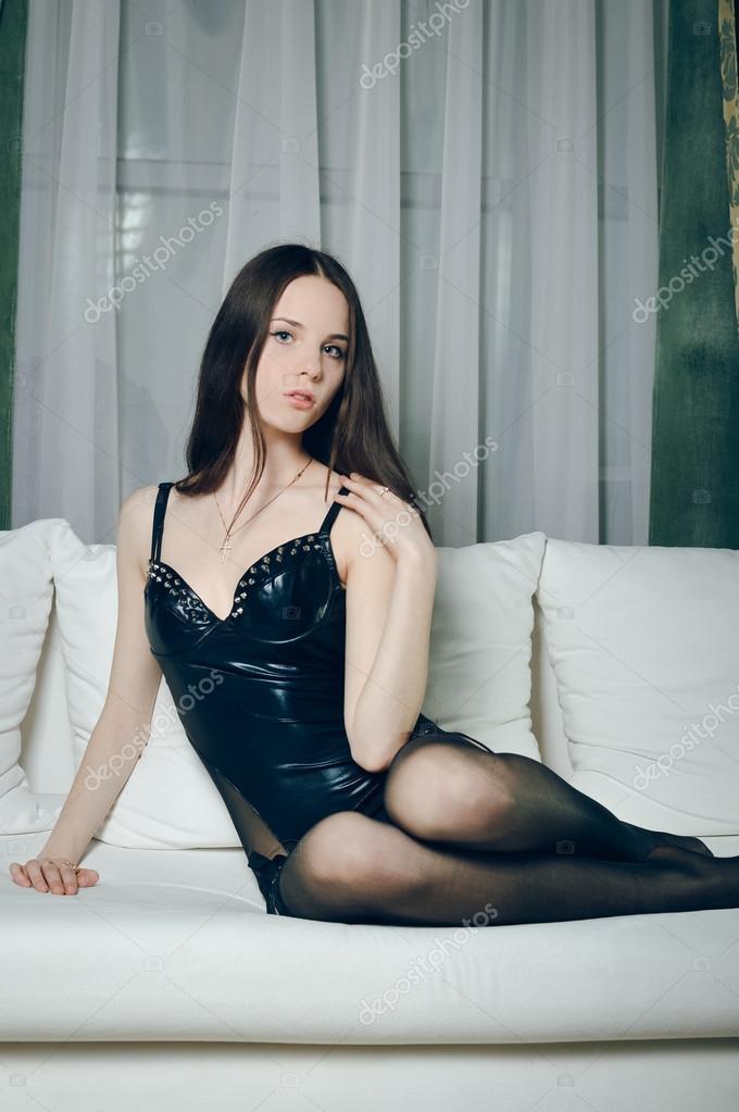 04c44a08b8c5 Fotos: chicasexi facebook | Sesión de glamour interior de sexi chica ...