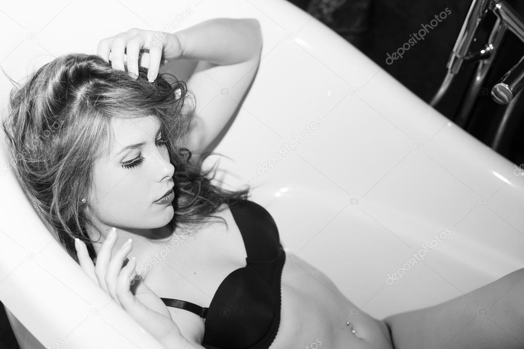 seksowny seks czarno-biały hardcore sex masaż