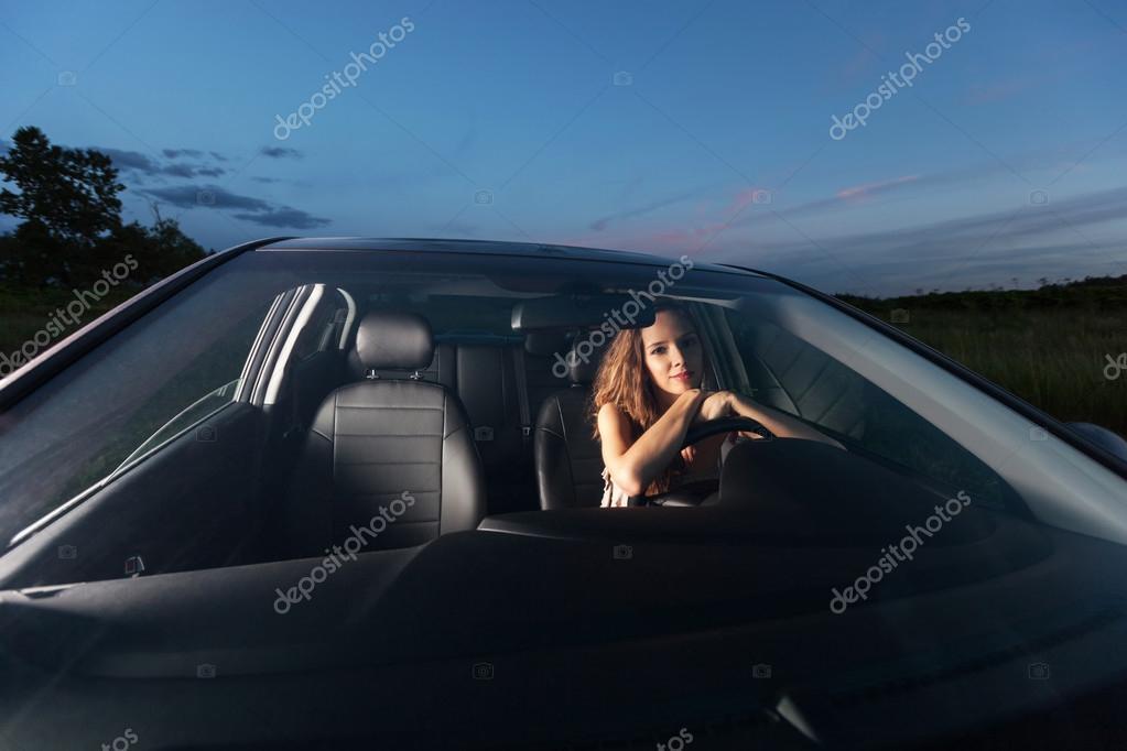 Сексуальная за рулем