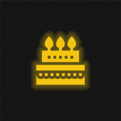 Születésnap Torta sárga izzó neon ikon