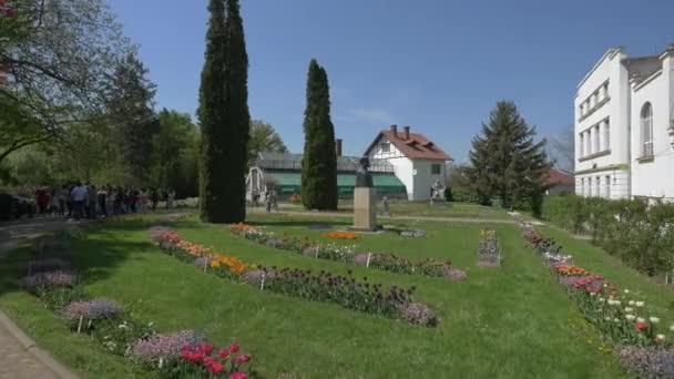 Tourists visiting the Botanical Garden, Cluj-Napoca