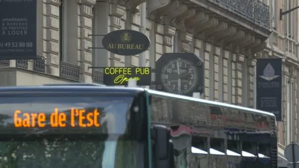 Bus on Rue Pierre Charron