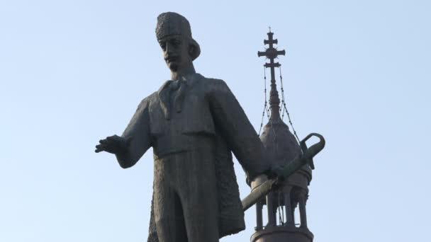 view of Avram Iancu sculpture