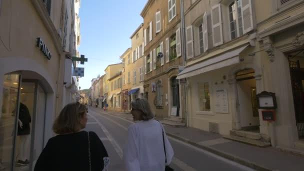 Rue Gambetta v Saint-Tropez