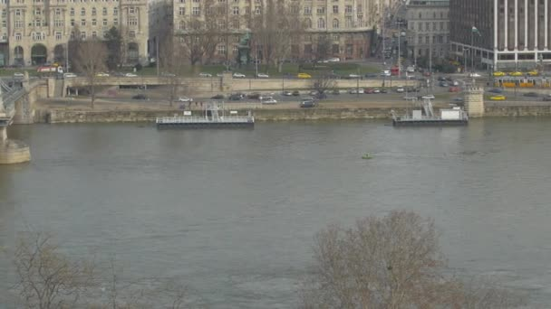 Pán balra a Lánchídtól Budapesten