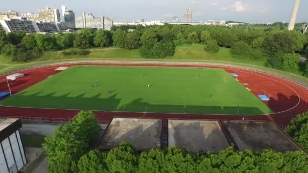 letecký pohled na sportovní hřiště