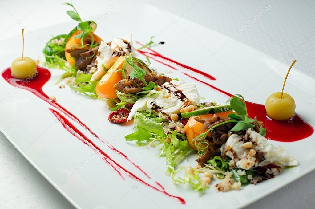 Salada gourmet close up stock photo revalent 92262314 for Decoracion de platos gourmet pdf