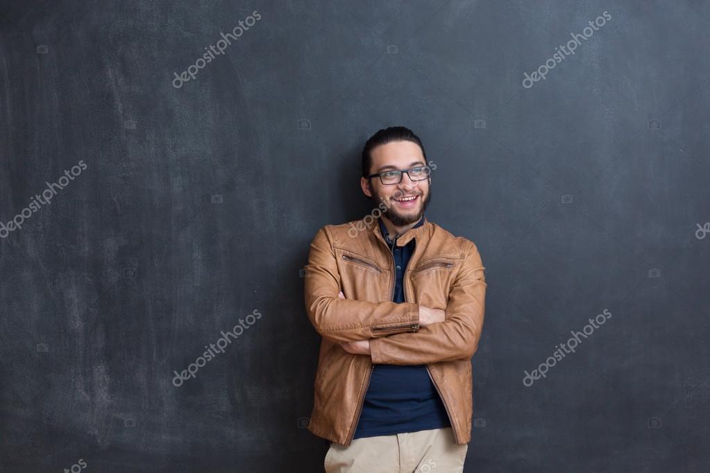 Hombre joven en ropa de Sport elegante — Fotos de Stock © Myvisuals ... 163fc6fe492