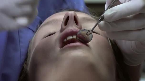Zahnarzt-Praxis eine Oberflächen-Anästhesie