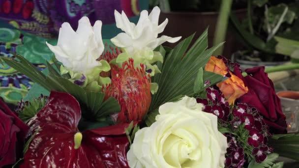 Květinové kompozice tabulky centrum