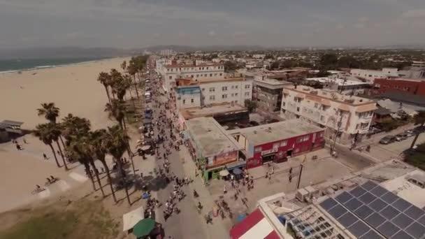Letecký záběr Santa Monica a Venice beach, Los Angeles v Kalifornii