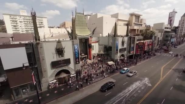 Teleskopickou anténu. Létání nad Hollywood Boulevard a čínské divadlo. La, California