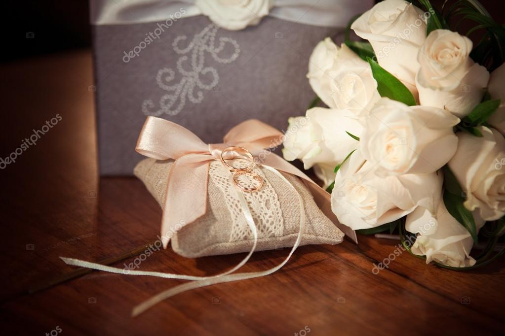 Hochzeit Ringe Und Blumen Stockfoto C Twiggy Jam 77743128