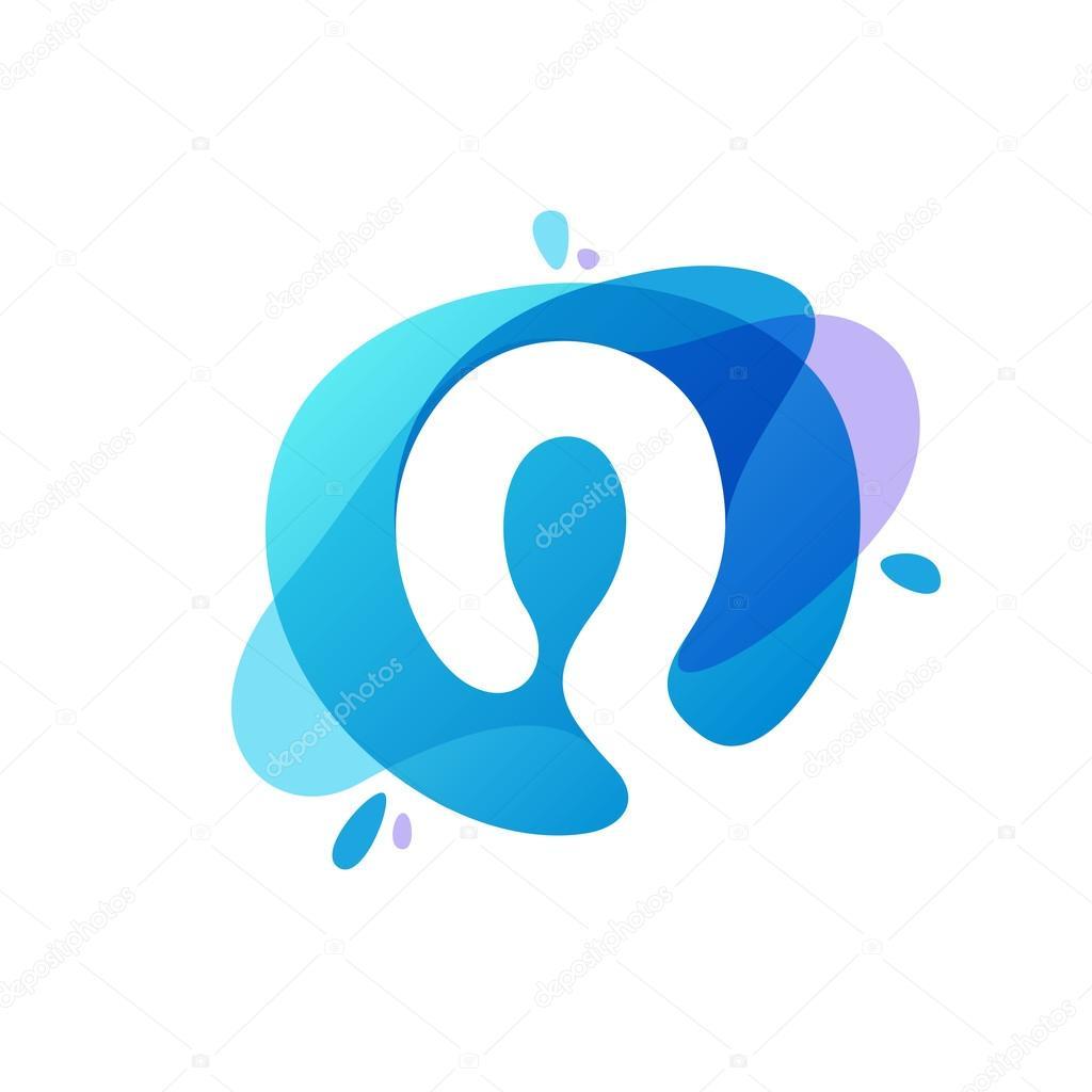Letter Q logo at blue water splash background.