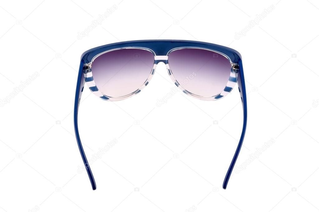 c4b224f5a5 gafas de sol azul aislados sobre fondo blanco — Foto de stock ...