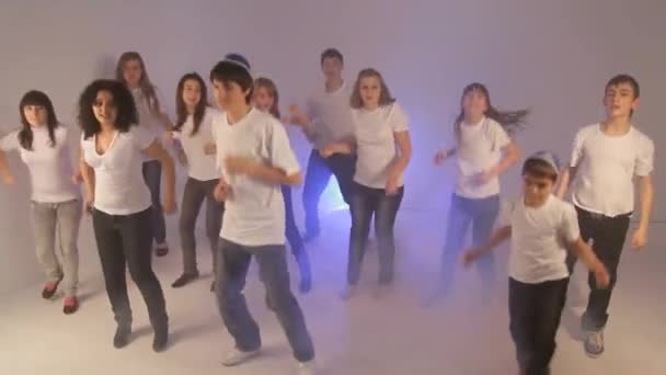 d3d2f9c7175 Teenage Fun Disco Dancing Party — Stock Video © Elastics #122765708