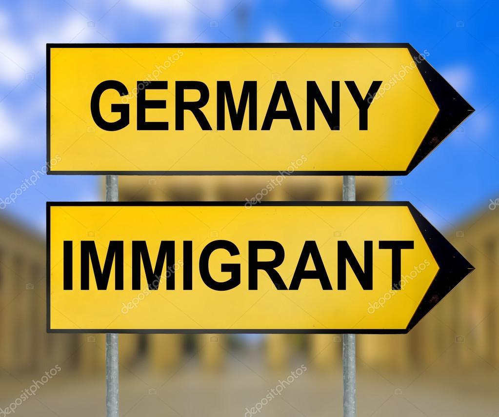 panneau de signalisation allemagne et immigrant avec arri re plan flou de berlin photographie. Black Bedroom Furniture Sets. Home Design Ideas