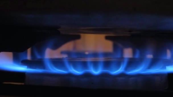 plamen plynový sporák